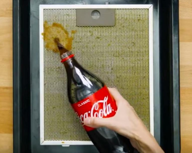 Чистка Кока-Колой